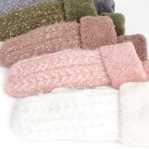 Boutique Clothing Women Cable Knit Faux Fur Mittens New White Pink Holiday Gift